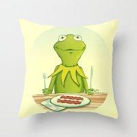 Kermit Loves Facon Throw Pillow