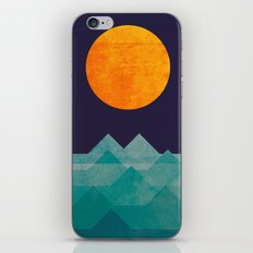 The ocean, the sea, the wave - night scene iPhone & iPod Skin