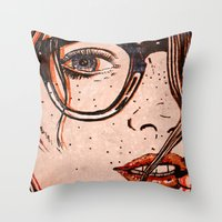 LE REGARD Throw Pillow