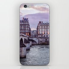 Le Pont Royal, Paris. iPhone & iPod Skin