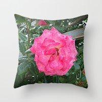 rosa rosa Throw Pillow