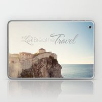 Live Breathe Travel - Du… Laptop & iPad Skin