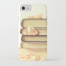 She Wrote Stories and Kept Them Quietly in Her Heart Slim Case iPhone 7