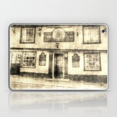 The Coopers Arms Pub Rochester Vintage Laptop & iPad Skin