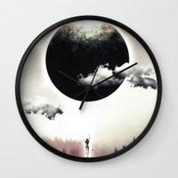 A Dream of Gravity Wall Clock