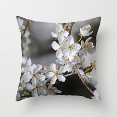Weißes Blütenmeer Throw Pillow