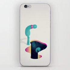 S g u a r d o n e l v u o t o iPhone & iPod Skin