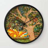 Etz haDaat tov V'ra: Tree of Knowledge Wall Clock