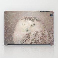 Snowy Owl in the snow iPad Case