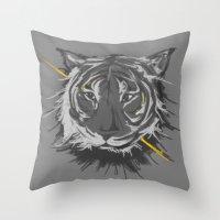 Tiger. Throw Pillow