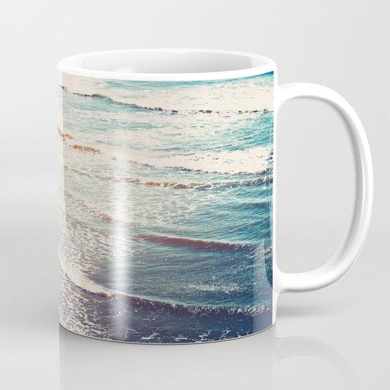 Ocean Waves Retro Mug