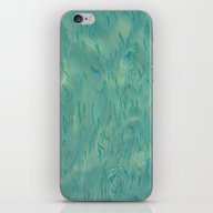 Swimming In The Clear Tr… iPhone & iPod Skin