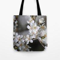 Weißes Blütenmeer Tote Bag