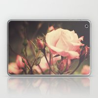 Suzanne  (vintage Flower… Laptop & iPad Skin