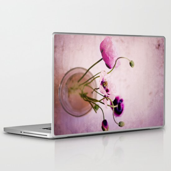 I love pink poppies Laptop & iPad Skin