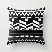 Graphic_Black&white #2 Throw Pillow