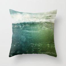 Vagues Jumelles Throw Pillow