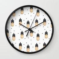 Golden Pineapple Pattern Wall Clock