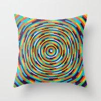 con·cen·tric Throw Pillow