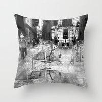 Summer space, smelting selves, simmer shimmers. 22, grayscale version Throw Pillow