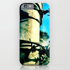 This is a fence. iPhone 6 Slim Case