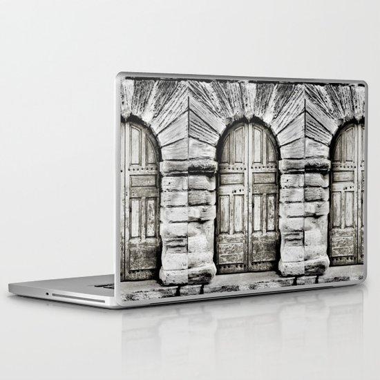 closed#01 Laptop & iPad Skin