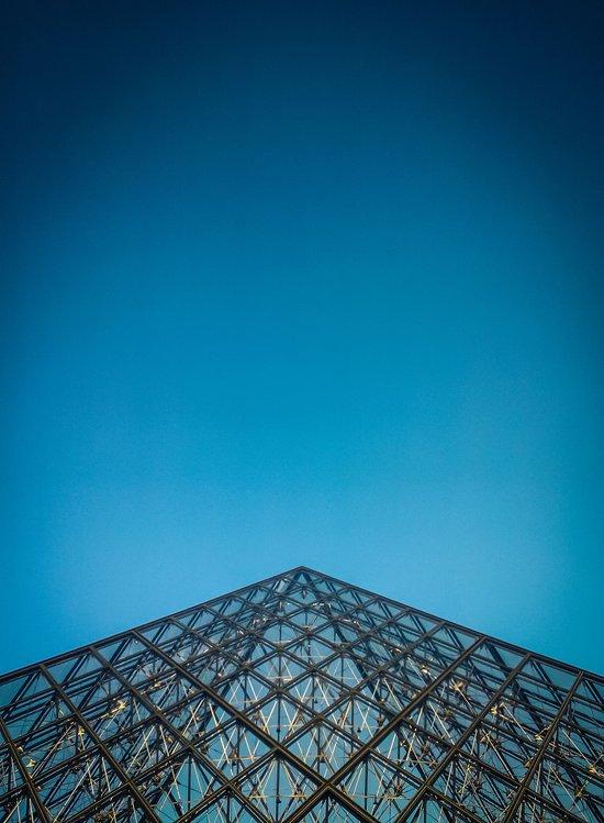 Paris, la pyramide du Louvre, Top Art Print