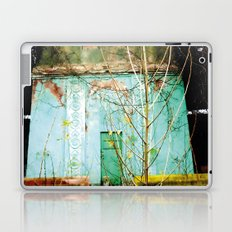 Nature finds the way inside... and outside... Laptop & iPad Skin