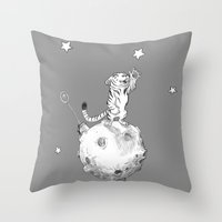 Greeting a Star Throw Pillow