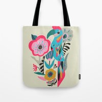 PARROT AT THE GARDEN Tote Bag