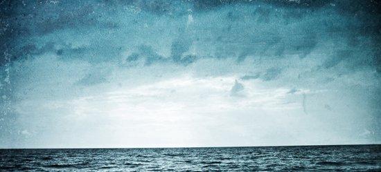 L'île invisible . . . Art Print
