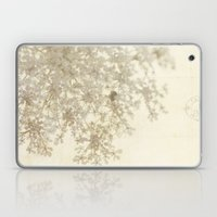 queen of summer Laptop & iPad Skin