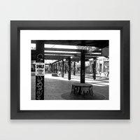Je meurs dans la rue Framed Art Print