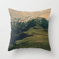 Spider mountain Throw Pillow