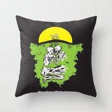 Coming Up Daisies Throw Pillow
