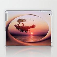 LANDSCAPE - Solitary sister Laptop & iPad Skin