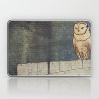 Whoo Goes There? Laptop & iPad Skin