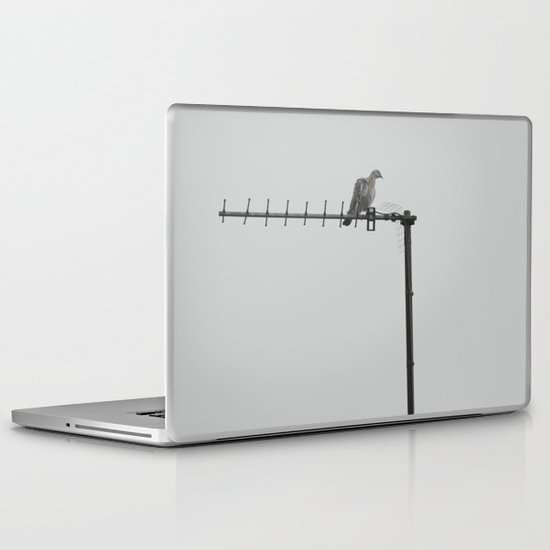 bird... Laptop & iPad Skin