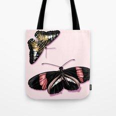 Papillon rouge et noir Tote Bag