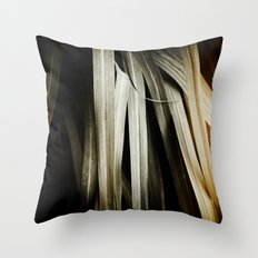 Leafy Grass Detail Throw Pillow