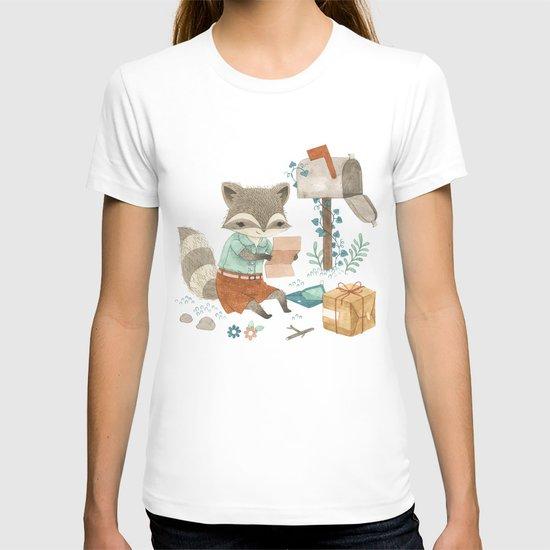 Raccoon Post T-shirt