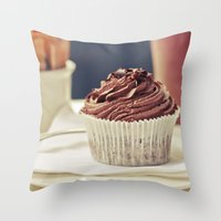 De Chocolate Throw Pillow