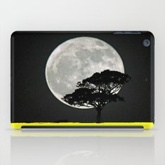 Lone Tree And Moon. iPad Case