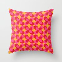 Retro floral pink Throw Pillow