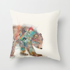 into the wild (the grizzly bear Throw Pillow