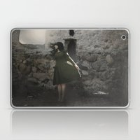 SEARCHING FOR LIGHT Laptop & iPad Skin