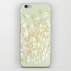 Coockie brown clover on green  iPhone & iPod Skin