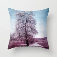 BLOOMING TIME Throw Pillow
