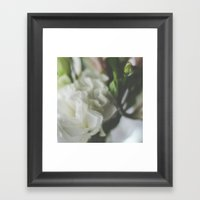 Flor Framed Art Print