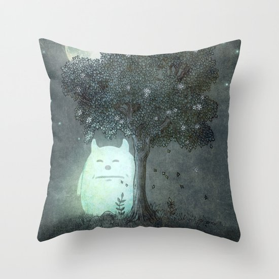 Full Moon Spirit  Throw Pillow